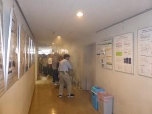講義室を使った煙体験風景