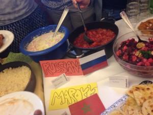 国別発表会の際に並んだ食事