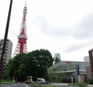 東京タワーのそばにあるイワタニ水素ステーション芝公園