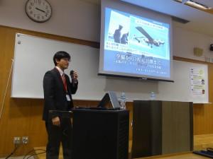島崎教授の講演の様子