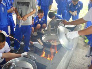 飯盒炊爨(鴨川青年の家にて)