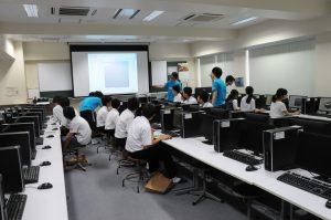 機械工学科製図室での 3D CAD体験