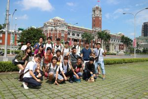 台北にて研修参加者集合写真